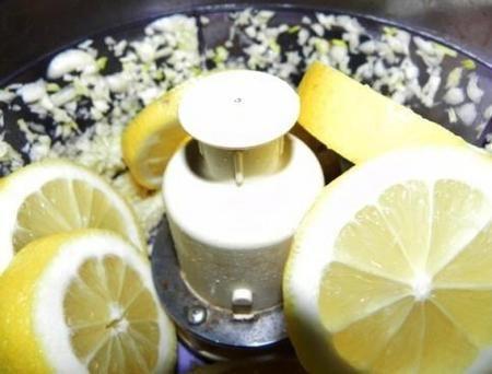 Измельчение лимона