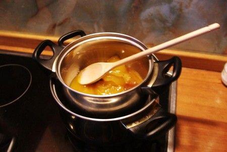 Топить мед можно на водяной бане