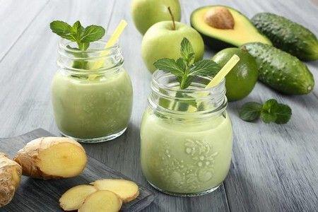 Смузи с авокадо и овощами