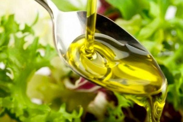 Ложка масла оливы