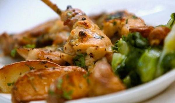Блюдо с пряный соусом