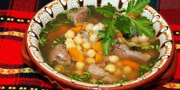 Суп из турецкого гороха с говядиной