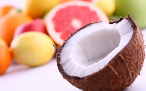 Фрукты и кокос