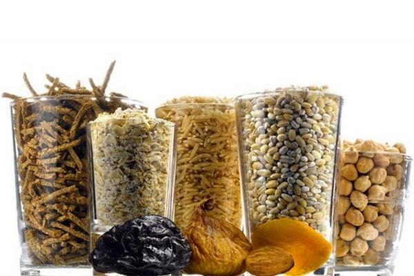 Крупы, бобовые, злаки и сухофрукты