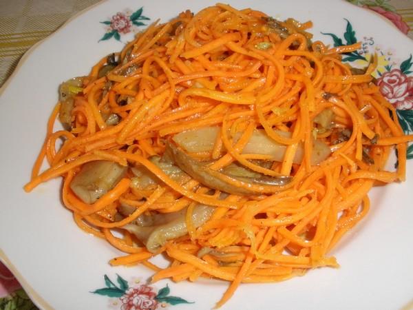 Вешенки с морковью по-корейски