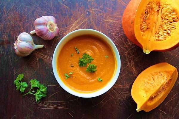 Острый суп со специями из тыквы