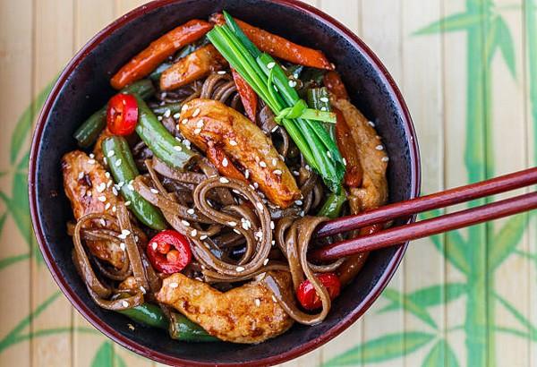Блюдо азиатской кухни
