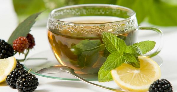 Мята и лимон сделают вкуснее любой травяной чай