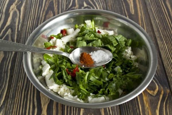 Кинза украсит любой салат