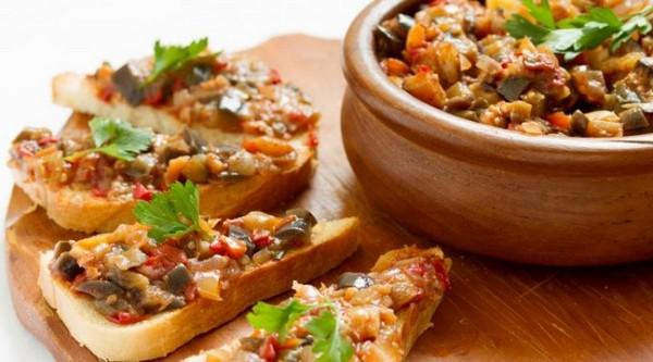 Овощной микс на тостах