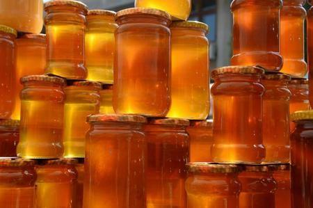 Стеклянная тара лучше всего подходит для хранения меда
